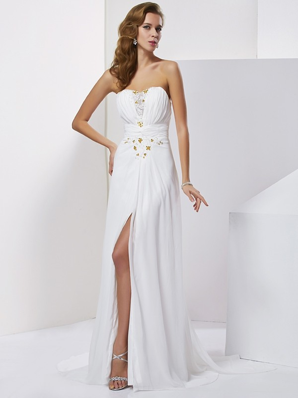 A-Line/Princess Sleeveless Sweetheart Sweep/Brush Train Chiffon Dresses with Beading