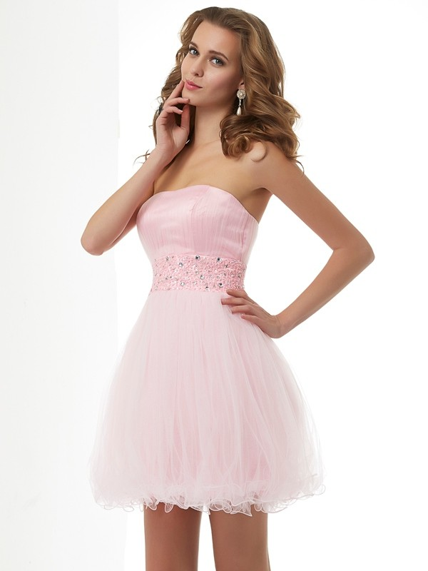 Column Sweetheart Sleeveless Elastic Woven Satin Short Cocktail/Homecoming Dresses with Beading