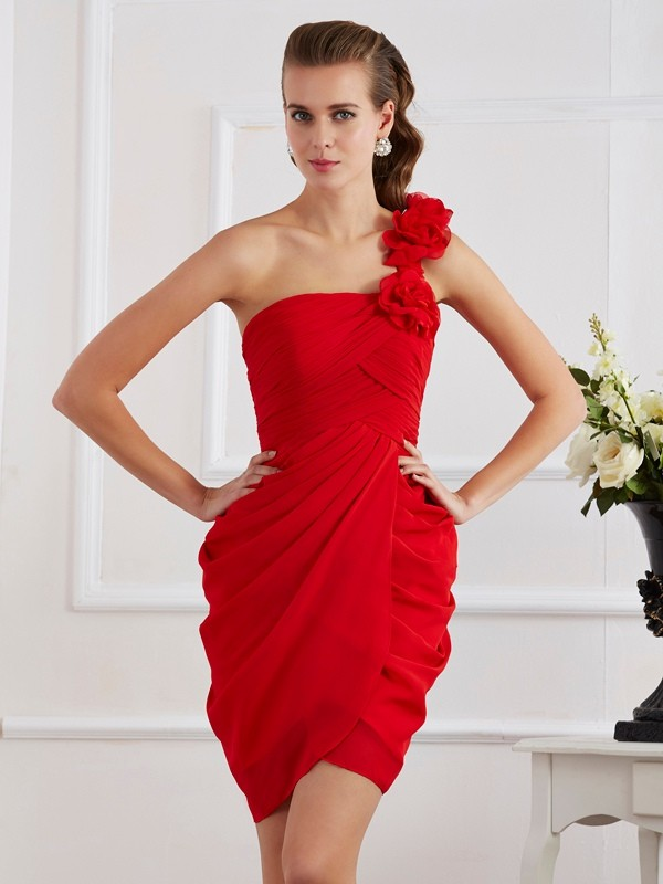 Sheath/Column One-Shoulder Sleeveless Chiffon Short Cocktail/Homecoming Dresses with Hand-Made Flower