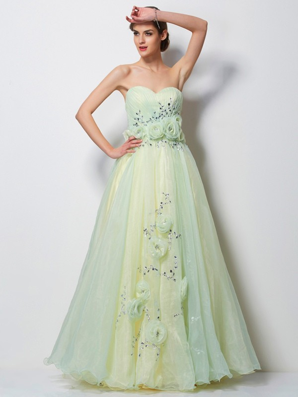 A-Line/Princess Sweetheart Sleeveless Floor-Length Tulle Prom/Evening Dresses with Beading