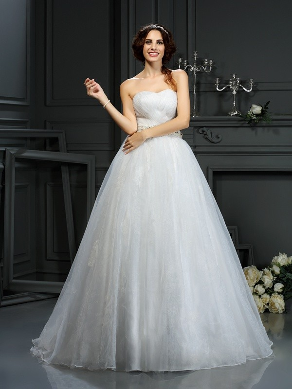 A-Line Sweetheart Sleeveless Court Train Organza Wedding Dresses with Applique