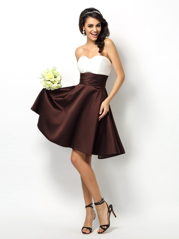 A-Line/Princess Sweetheart Sleeveless Short/Mini Satin Bridesmaid Dresses with Pleats