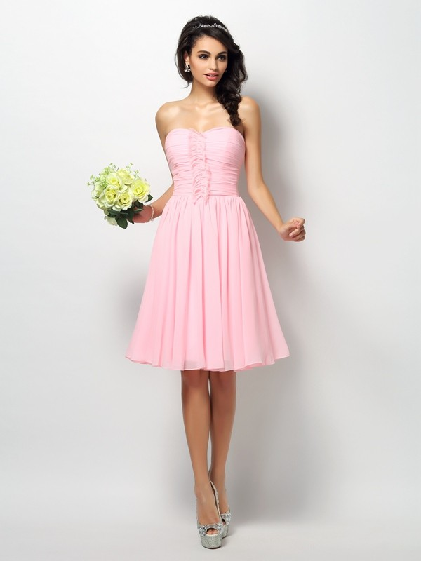 A-Line/Princess Strapless Sleeveless Knee-Length Chiffon Bridesmaid Dresses with Pleats