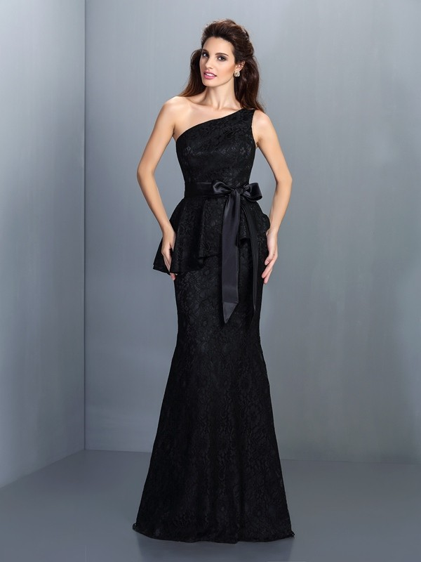 Trumpet/Mermaid One-Shoulder Sleeveless Lace Floor-Length Satin Dresses