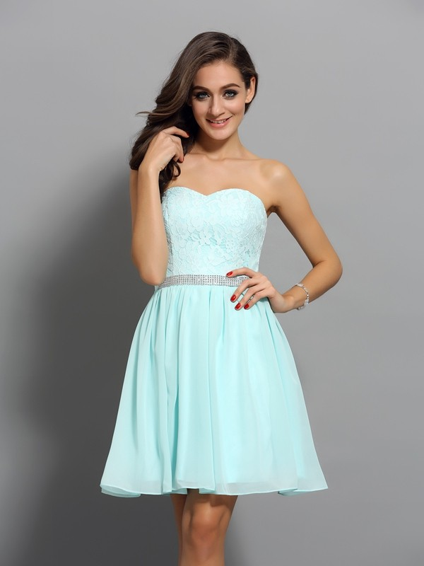 Sweetheart A-Line/Princess Sleeveless Short/Mini Chiffon Dresses with Beading