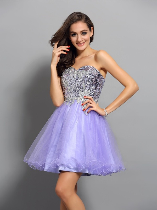 A-Line/Princess Sleeveless Net Sweetheart Short Cocktail/Homecoming Dresses with Applique with Beading