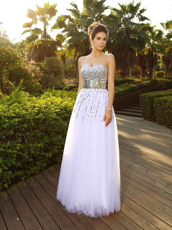 A-Line/Princess Sleeveless Sweetheart Floor-Length Organza Dresses with Beading