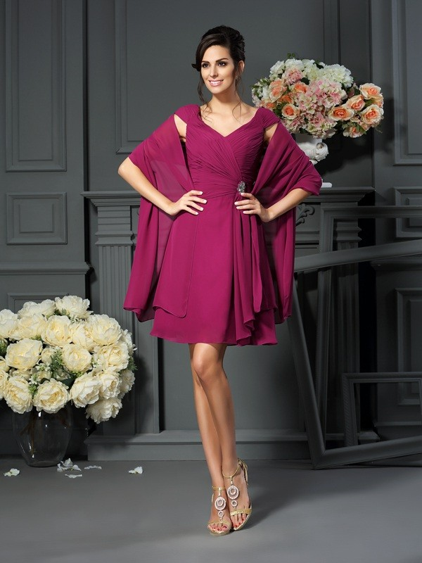 A-Line/Princess V-neck Sleeveless Knee-Length Chiffon Mother of the Bride Dresses with Pleats
