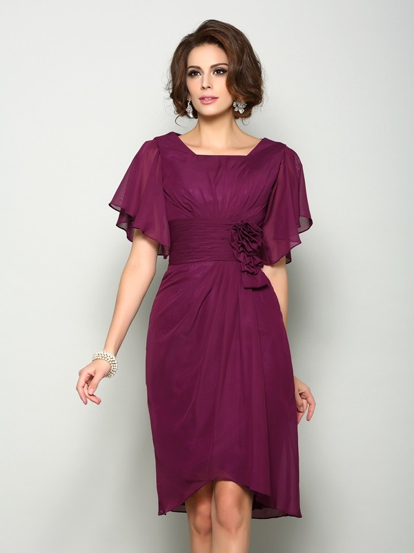 A-Line/Princess Short Sleeves Square Chiffon Knee-Length Mother of the Bride Dresses with Hand-Made Flower