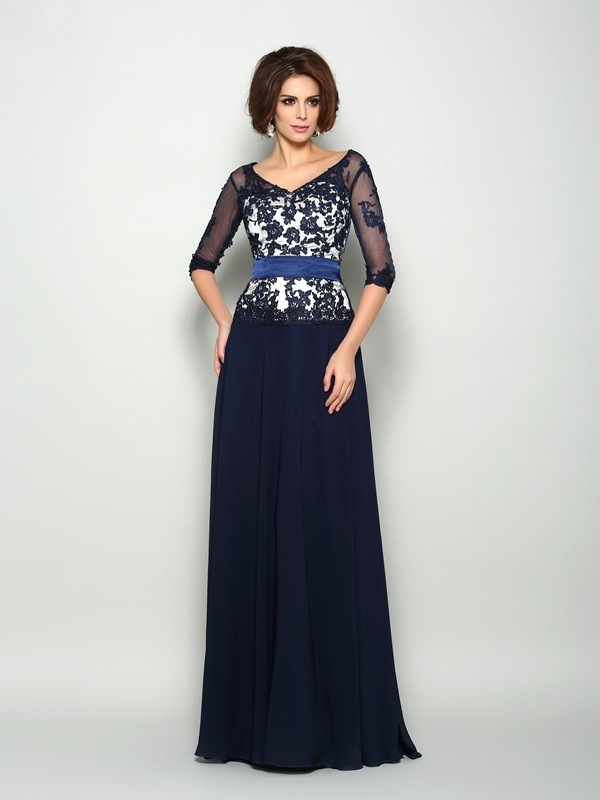 A-Line/Princess 1/2 Sleeves Chiffon V-neck Sweep/Brush Train Mother of the Bride Dresses with Applique