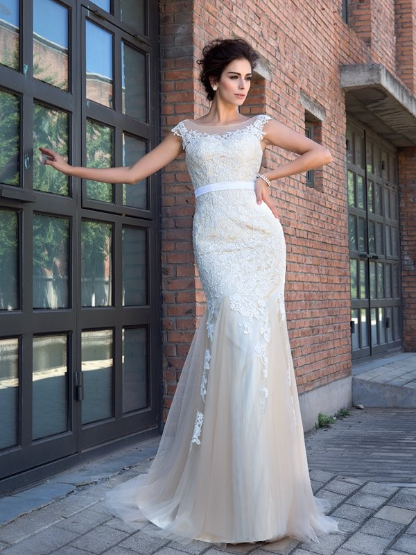 Trumpet/Mermaid Short Sleeves Sheer Neck Net Sweep/Brush Train Prom Dress with Applique