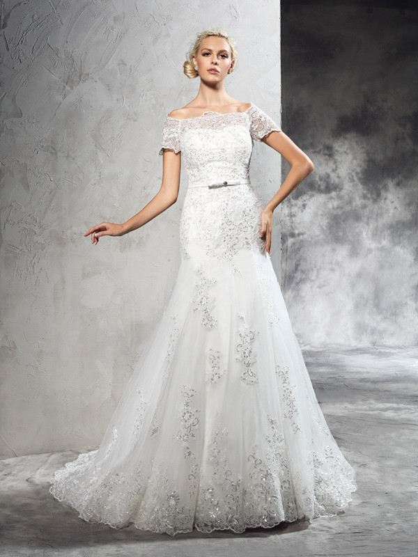 Sheath/Column Off-the-Shoulder Short Sleeves Court Train Net Wedding Dress with Applique
