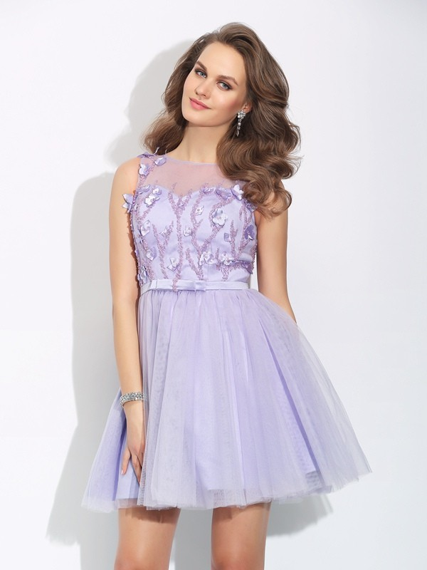 A-Line/Princess Bateau Sleeveless Short/Mini Satin Cocktail Dress with Applique