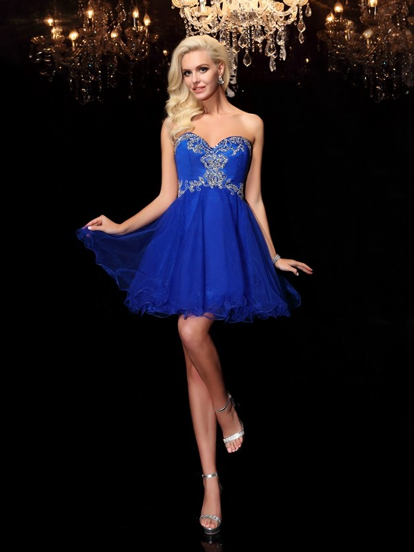 A-line/Princess Sweetheart Sleeveless Short/Mini Net Cocktail Dress with Beading