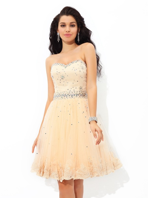 A-Line/Princess Sweetheart Sleeveless Short/Mini Satin Cocktail Dress with Beading