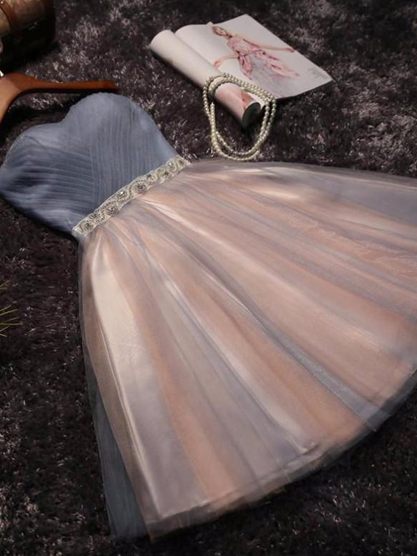 A-Line/Princess Sweetheart Tulle Short Dresses with Beading