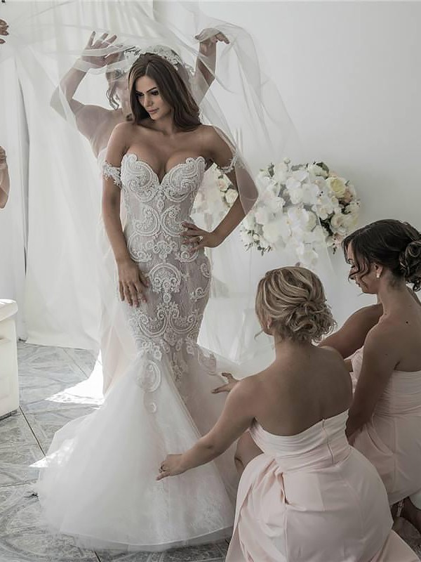 Trumpet/Mermaid Chapel Train Off-the-Shoulder Tulle Wedding Dresses