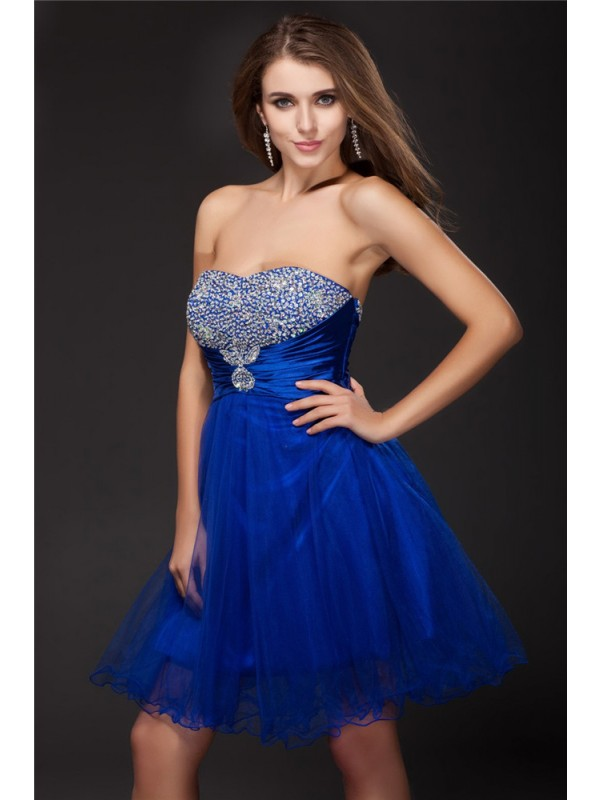 A-Line/Princess Strapless Short Net Elastic Woven Satin Cocktail Dress