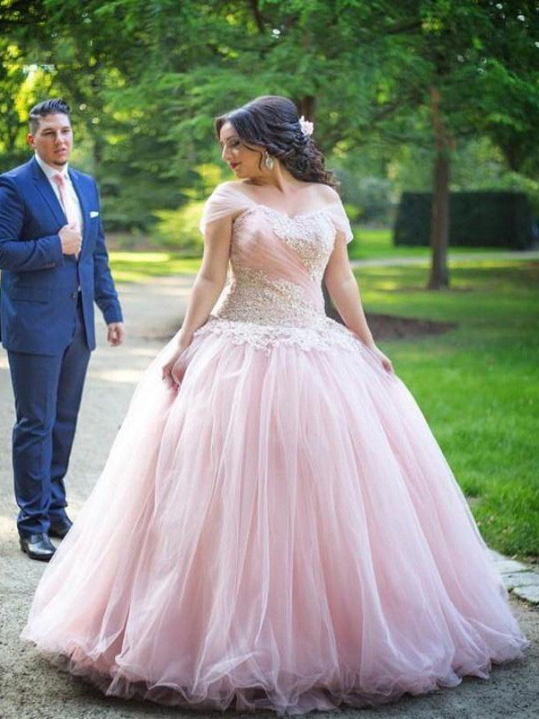 Ball Gown Off-the-Shoulder Floor-Length Tulle Plus Size Dresses with Applique