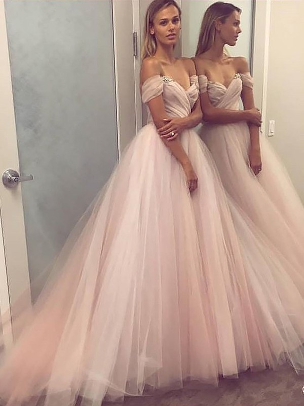 A-Line/Princess Off-the-Shoulder Tulle Sweep/Brush Train Dresses with Beading