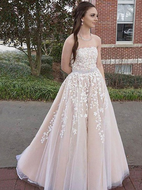 A-Line/Princess Strapless Floor-Length Tulle Dresses with Applique