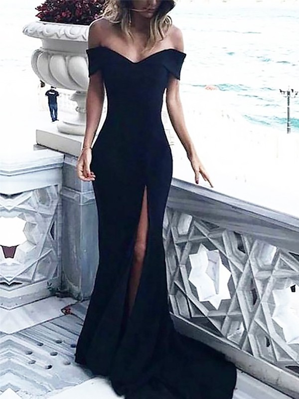 Sheath/Column Off-the-Shoulder Court Train Spandex Dresses with Ruched