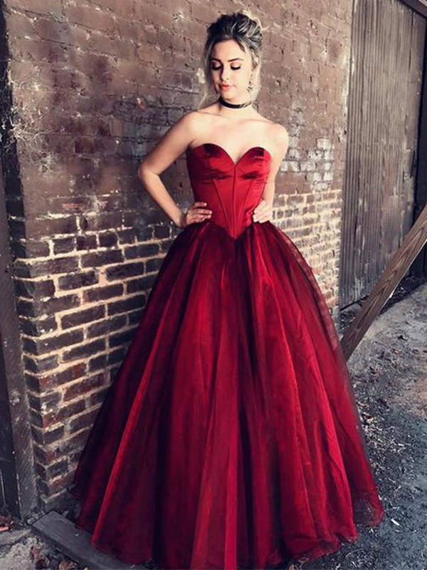 Ball Gown Sweetheart Floor-Length Tulle Dresses with Ruffles