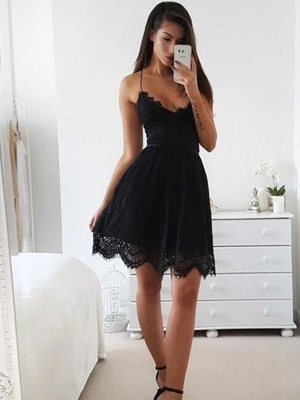 A-Line/Princess Spaghetti Straps Short/Mini Dresses with Lace