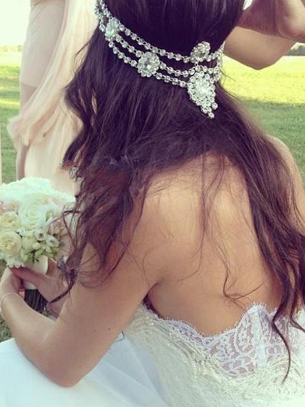 A-Line/Princess Sweetheart Tulle Court Train Wedding Dresses with Lace