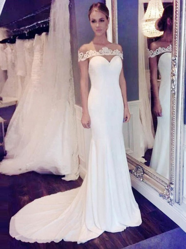Trumpet/Mermaid Chiffon Scoop Court Train Wedding Dresses with Lace