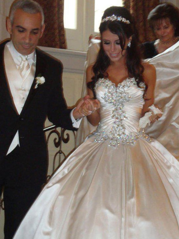 Ball Gown Taffeta Sweetheart Cathedral Train Wedding Dresses with Ruffles