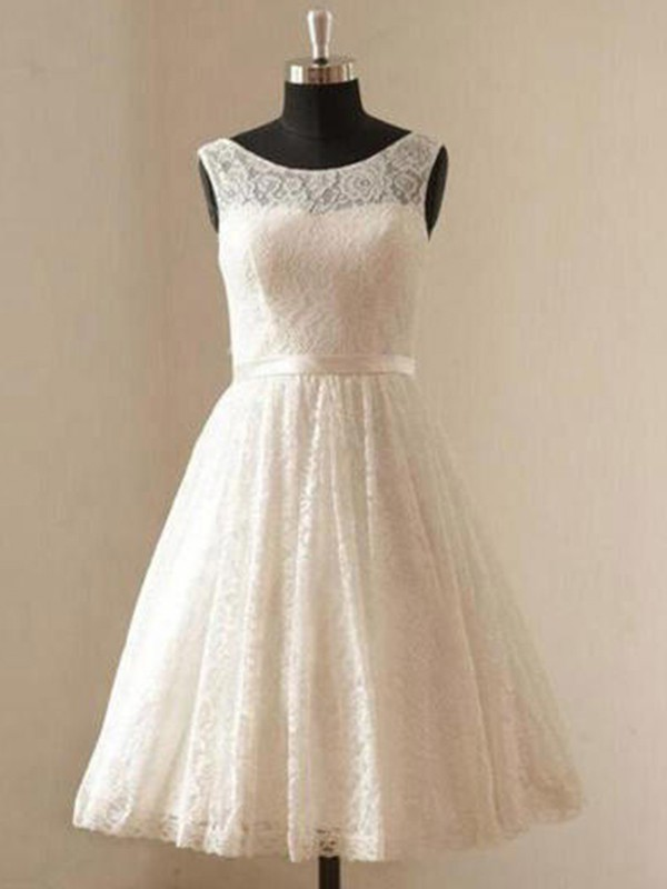 A-Line/Princess Scoop Knee-Length Wedding Dresses with Lace with Sash/Ribbon/Belt