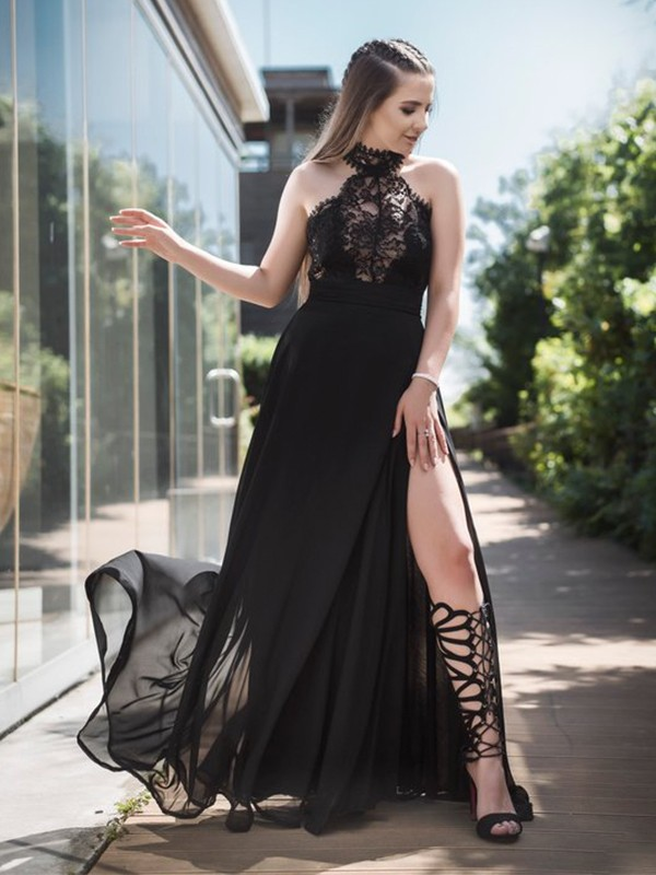 A-Line/Princess Halter Floor-Length Tulle Dresses with Lace