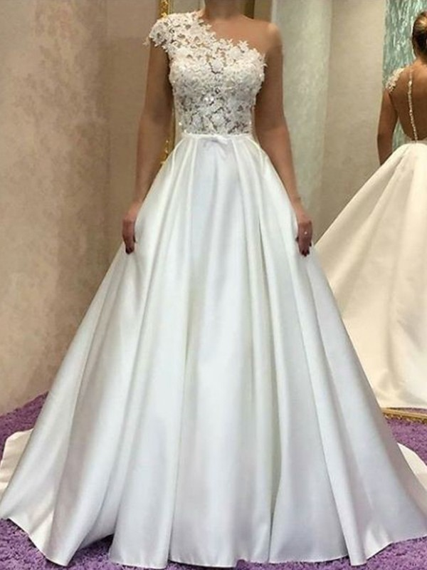 A-Line/Princess One-Shoulder Sleeveless Sweep/Brush Train Satin Wedding Dresses with Lace