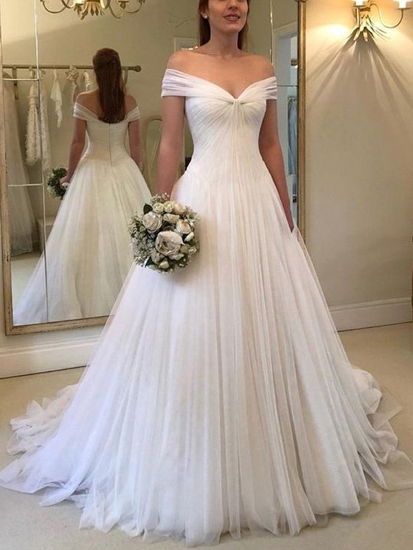 A-Line/Princess Off-the-Shoulder Sleeveless Sweep/Brush Train Tulle Wedding Dresses with Ruched