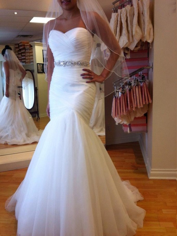 Trumpet/Mermaid Sleeveless Sweetheart Court Train Tulle Wedding Dress with Beading