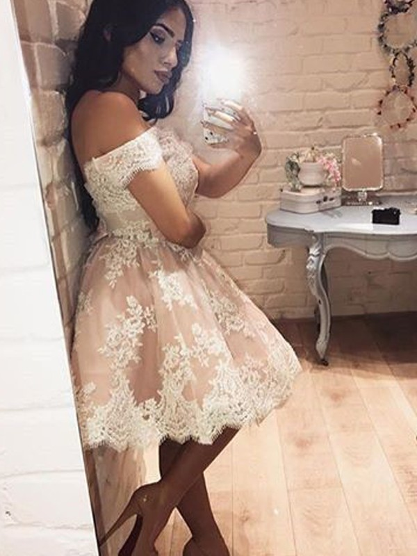 A-Line/Princess Sleeveless Off-the-Shoulder Short/Mini Dresses with Lace