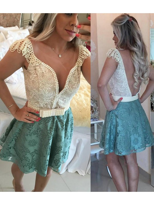 A-Line/Princess Sleeveless V-neck Short/Mini Dresses with with Beading