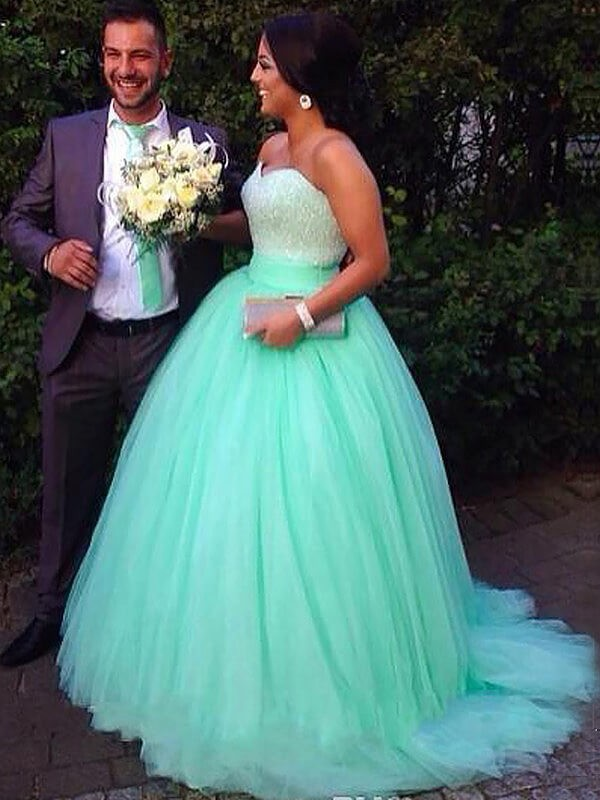 Ball Gown Sweetheart Tulle Sweep/Brush Train Plus Size Dress with Beading