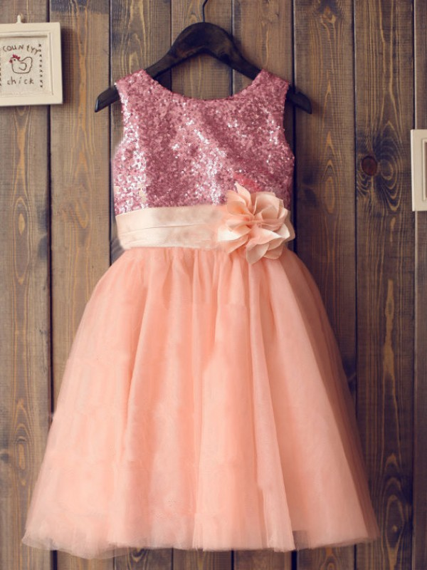A-line/Princess Scoop Tulle Knee-Length Flower Girl Dress with Sequins