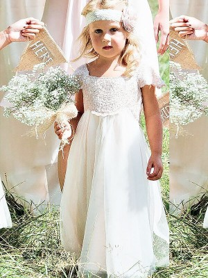 A-line/Princess Square Floor-Length Chiffon Flower Girl Dresses with Lace