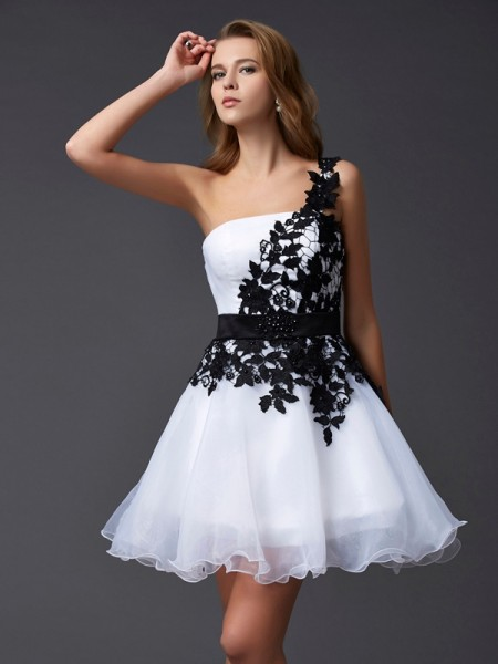 A-Line/Princess Sleeveless One-Shoulder Organza Short Cocktail/Homecoming Dresses