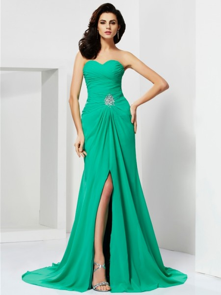 Sheath Sweetheart Chiffon Sleeveless Sweep/Brush Train Dresses with Beading