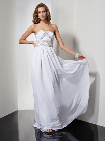 Sheath/Column Chiffon Strapless Sweetheart Long Dresses with Beading