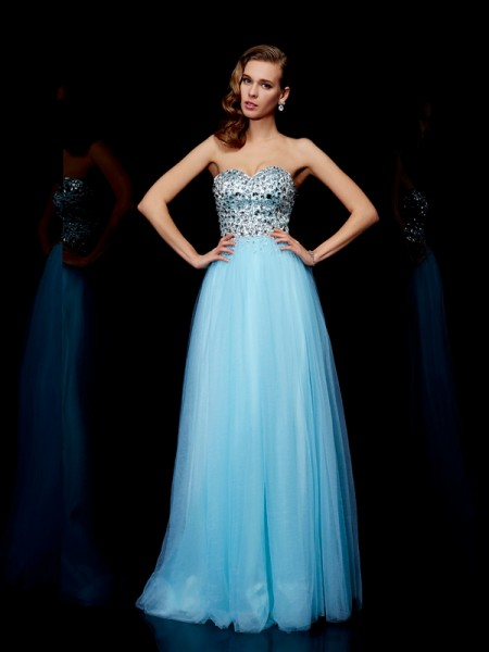 Ball Gown Sweetheart Floor-Length Sleeveless Tulle Dresses with Beading
