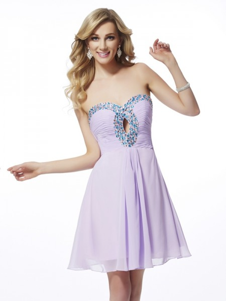 Sheath Sweetheart Sleeveless Chiffon Short Cocktail/Homecoming Dresses with Beading