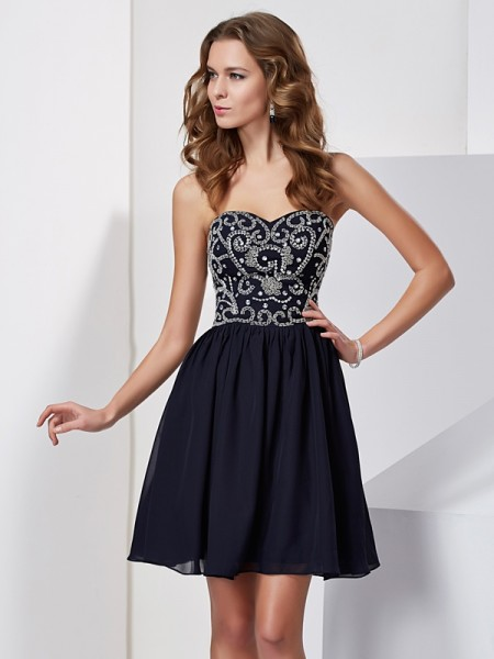Princess Sleeveless Sweetheart Chiffon Short Cocktail/Homecoming Dresses with Embroidery