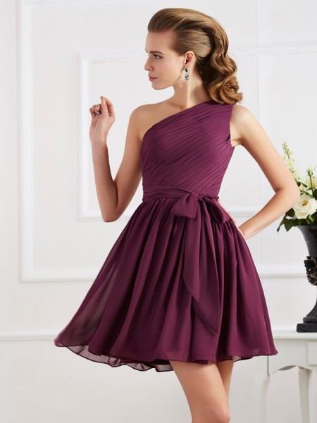 Princess Sleeveless One-Shoulder Chiffon Short Dresses with Pleats