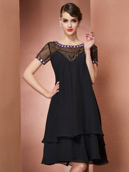 A-Line/Princess Scoop Short Sleeves Chiffon Knee-Length Dresses with Beading