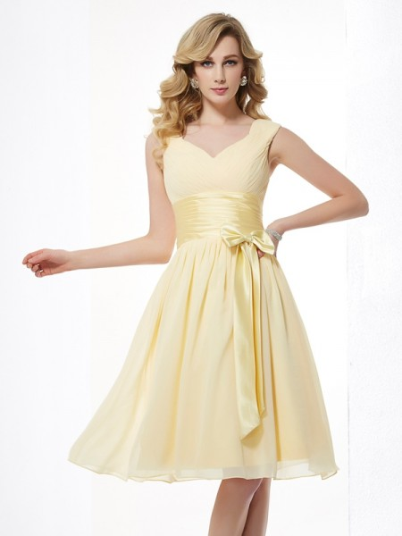 Princess Sleeveless Straps Chiffon Knee-Length Dresses with Pleats